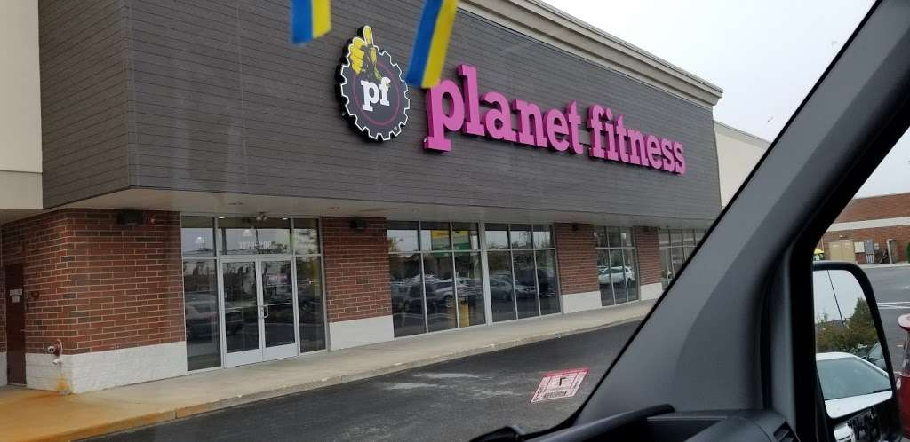 Planet Fitness - gym  | Photo 3 of 10 | Address: 1270 Strongbow Center Dr #200, Valparaiso, IN 46383, USA | Phone: (219) 510-5865