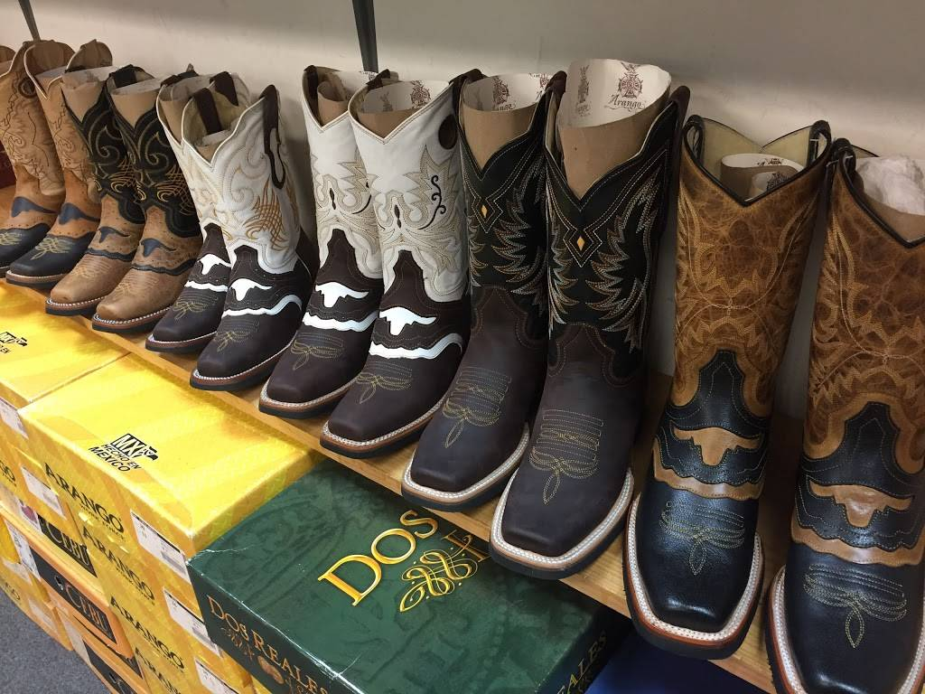 Western Monterrey - clothing store  | Photo 1 of 2 | Address: 2913 Brentwood Rd, Raleigh, NC 27604, USA | Phone: (919) 422-3031