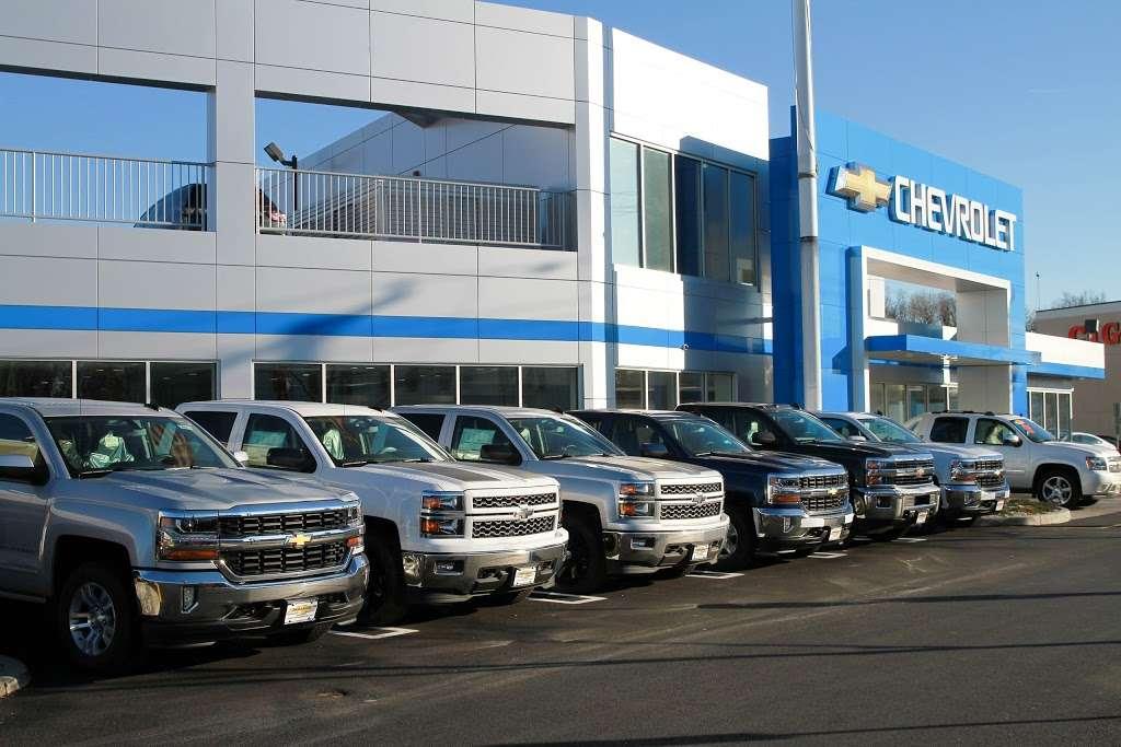 Paramus Chevrolet - car repair  | Photo 3 of 10 | Address: 194 NJ-17, Paramus, NJ 07652, USA | Phone: (844) 678-4815