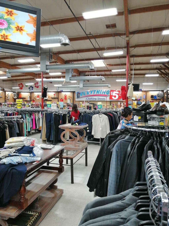 Forever Deals - clothing store  | Photo 3 of 10 | Address: 1141 Bay Blvd, Chula Vista, CA 91911, USA | Phone: (619) 575-4555