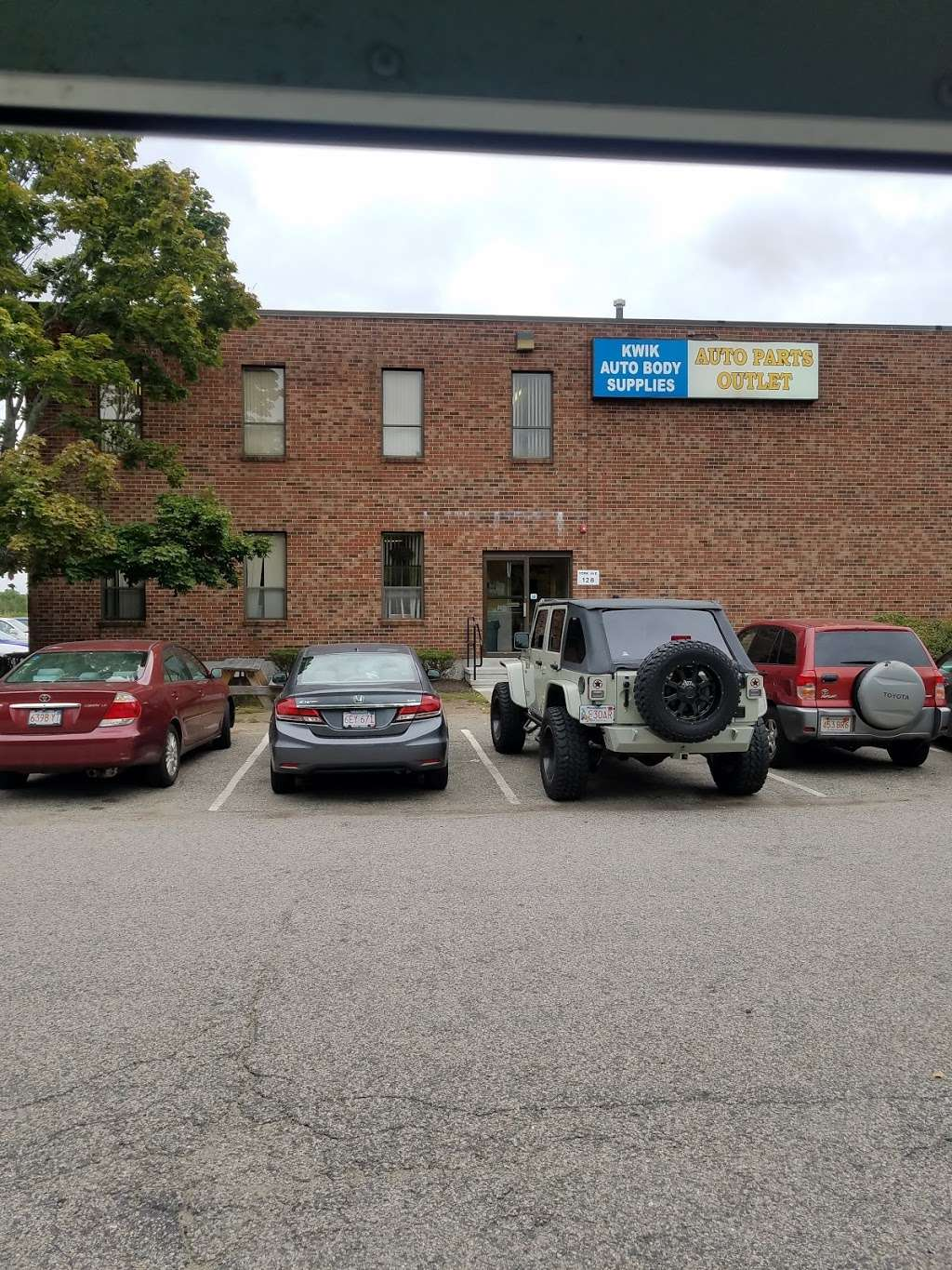 Auto Parts Outlet - car repair  | Photo 9 of 10 | Address: 128 York Ave, Randolph, MA 02368, USA | Phone: (800) 772-5558