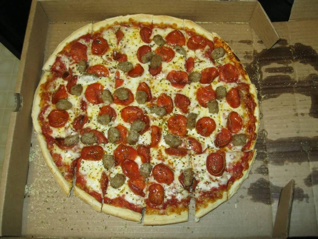 Padovas Pizza - restaurant  | Photo 9 of 9 | Address: 9000 Hambright Rd suite b, Huntersville, NC 28078, USA | Phone: (704) 727-3655