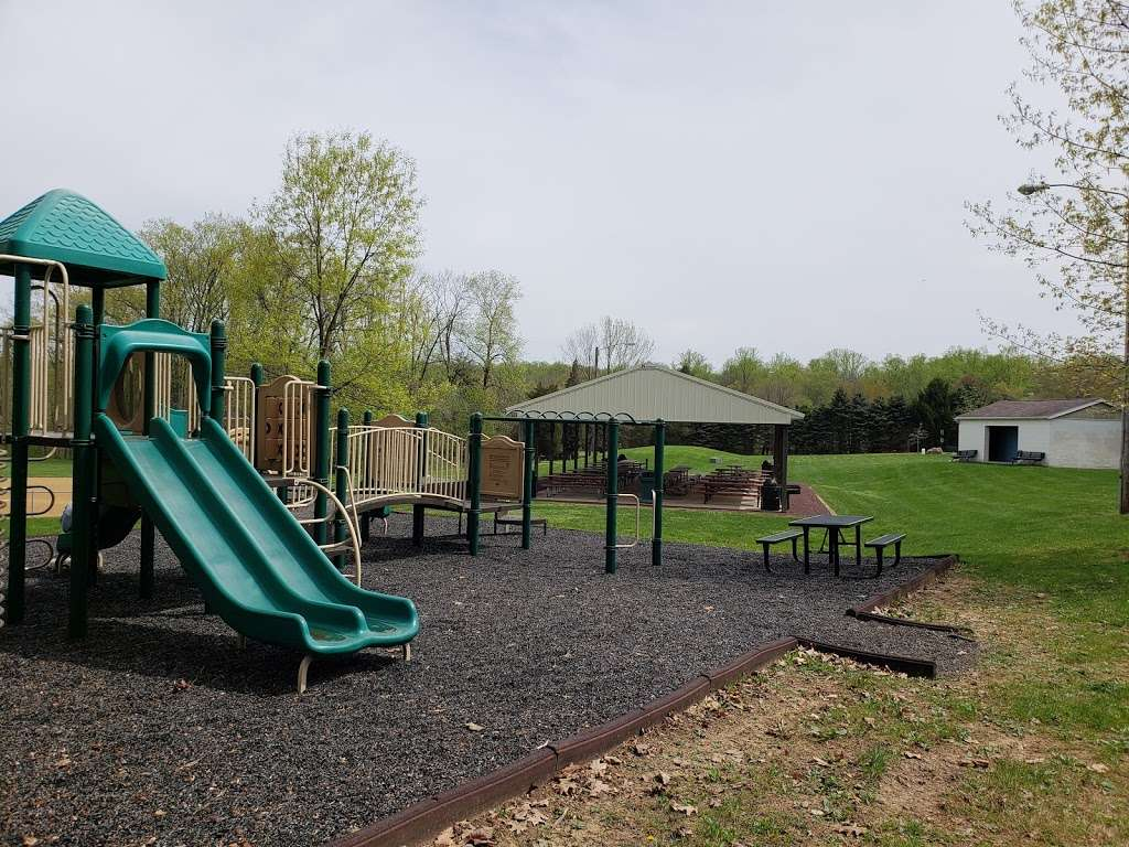 Southeastern Park - park  | Photo 3 of 10 | Address: 2675 Wassergass Rd, Hellertown, PA 18055, USA | Phone: (610) 865-3291