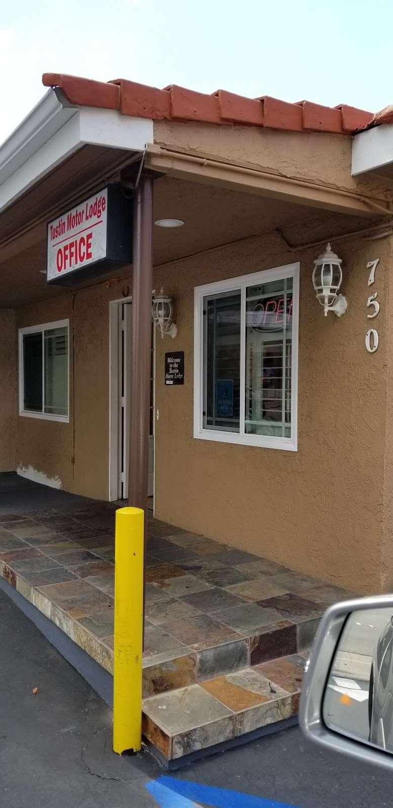 Tustin Motor Lodge - lodging  | Photo 8 of 10 | Address: 750 El Camino Real, Tustin, CA 92780, USA | Phone: (714) 544-5850