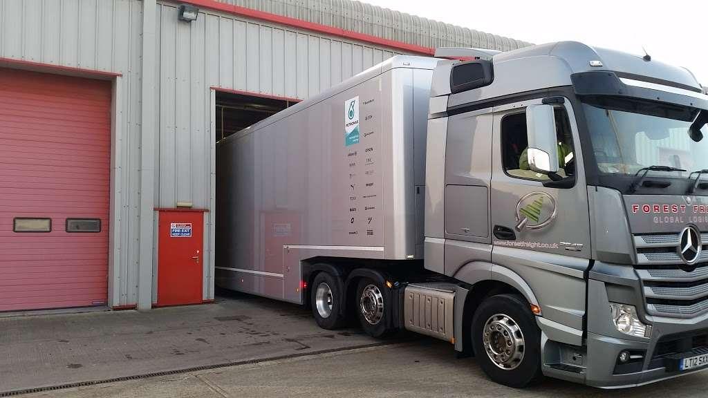 Forest Freight Ltd. - moving company    Photo 5 of 10   Address: Barlow Way South, Fairview Industrial Park, Rainham RM13 8UJ, UK   Phone: 01708 552222