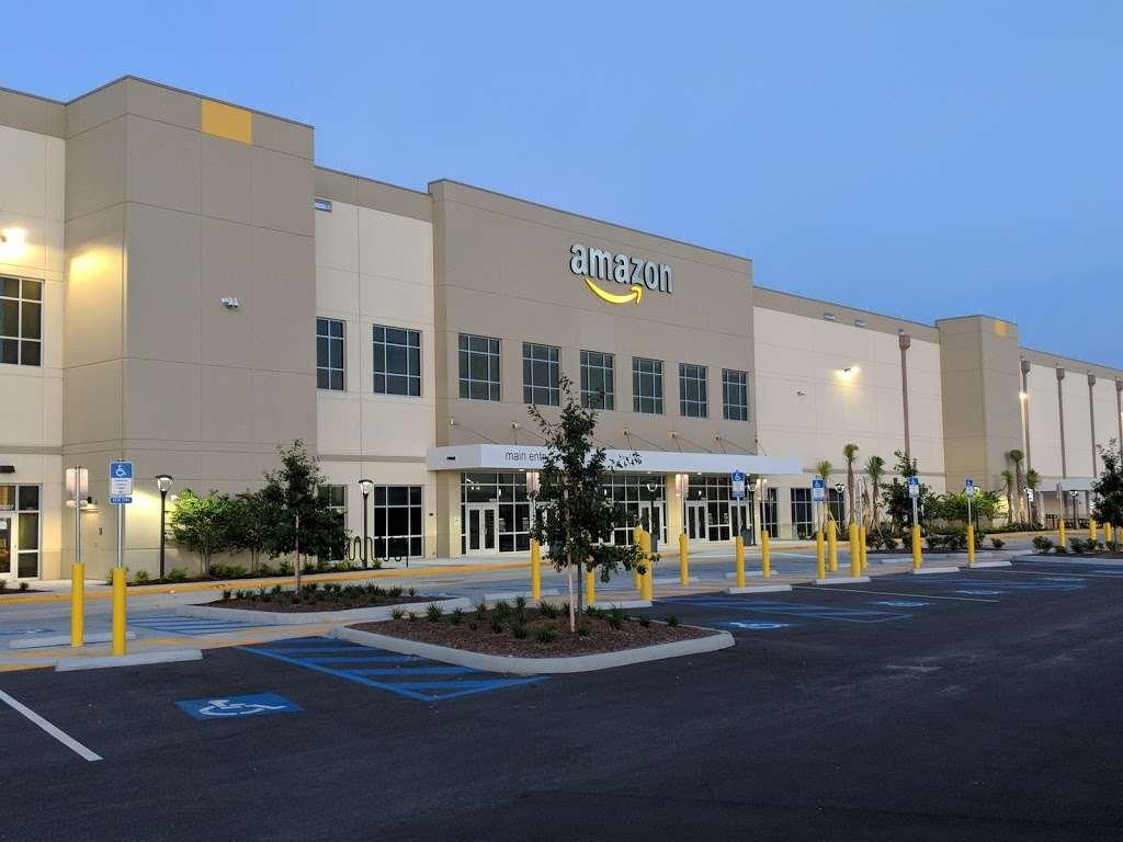 Amazon MCO1 - storage  | Photo 3 of 10 | Address: 12340 Boggy Creek Rd, Orlando, FL 32824, USA