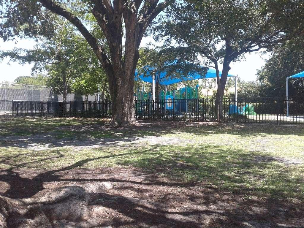 Polo Park - park  | Photo 4 of 10 | Address: 4301 N Michigan Ave, Miami Beach, FL 33140, USA