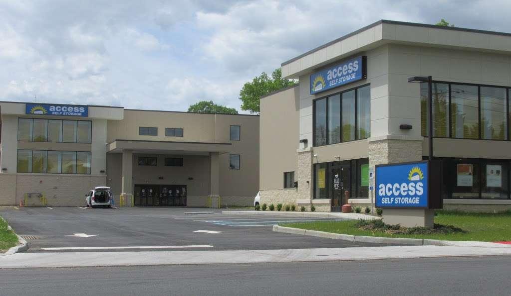 Access Self Storage - storage  | Photo 2 of 5 | Address: 635 N Midland Ave, Saddle Brook, NJ 07663, USA | Phone: (201) 408-6888