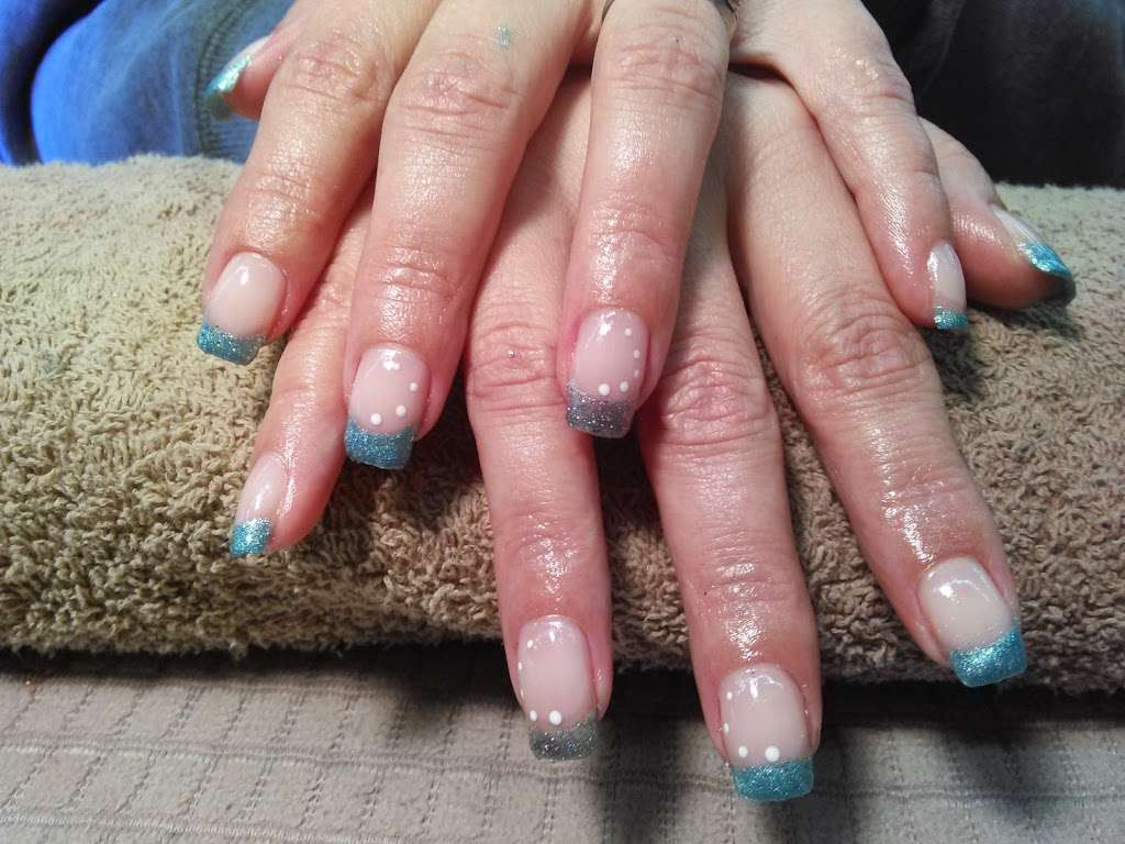 Pedi Lounge Nail Salon & Spa - hair care  | Photo 5 of 10 | Address: 1827 N Madison Ave Suite B, Anderson, IN 46011, USA | Phone: (765) 393-0015