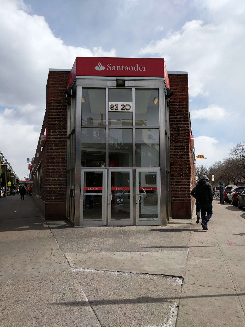 Santander Bank - bank  | Photo 1 of 4 | Address: 83-20 Roosevelt Ave, Jackson Heights, NY 11372, USA | Phone: (718) 457-9800