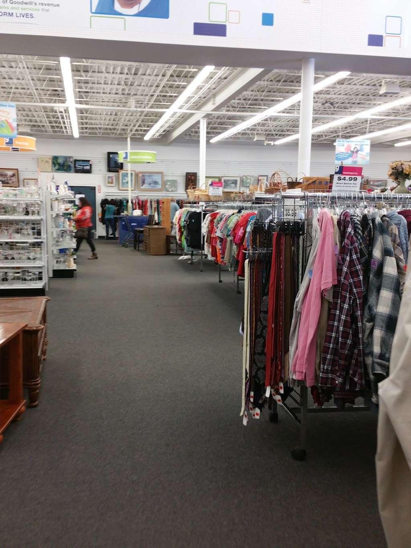 Goodwill Retail Store & Donation Center - clothing store    Photo 9 of 10   Address: 9960 Main Street, Fairfax, VA 22031, USA   Phone: (703) 349-1806