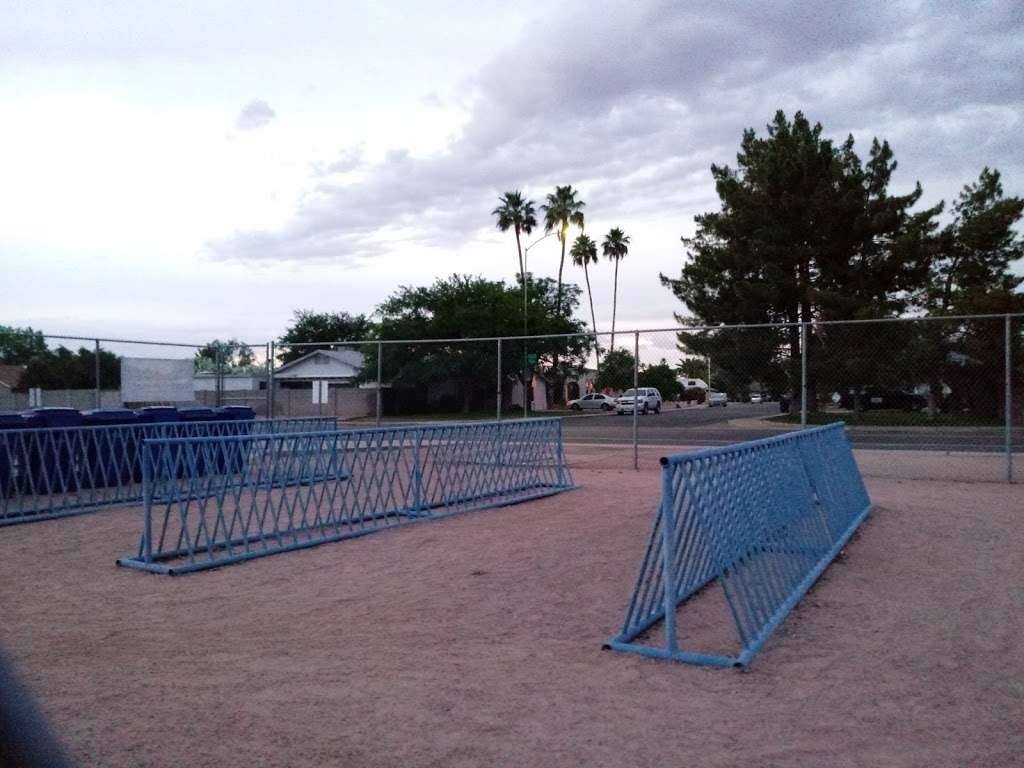 Crismon Elementary School - school  | Photo 6 of 10 | Address: 825 W Medina Ave, Mesa, AZ 85210, USA | Phone: (480) 472-4000