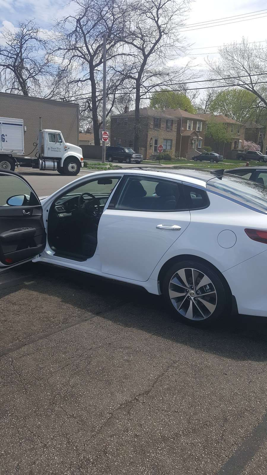 Evergreen Car Wash - car wash  | Photo 9 of 10 | Address: 3501 95th St, Evergreen Park, IL 60805, USA | Phone: (708) 229-9960