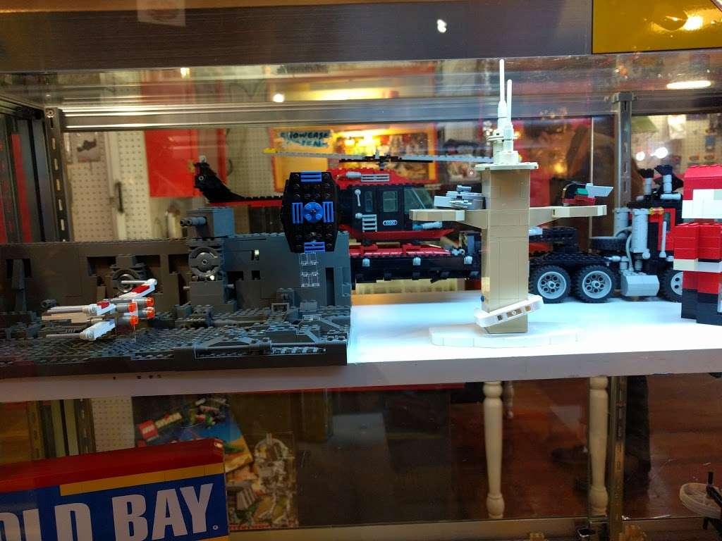 CLASSIC PLASTIC BRICKS - store  | Photo 6 of 10 | Address: 3720 Maryland Ave, Ellicott City, MD 21043, USA | Phone: (410) 941-9073