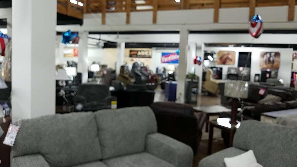 Interstate 69 Furniture - furniture store  | Photo 1 of 9 | Address: 9200 Traders Village Way, Daleville, IN 47334, USA | Phone: (765) 405-1836