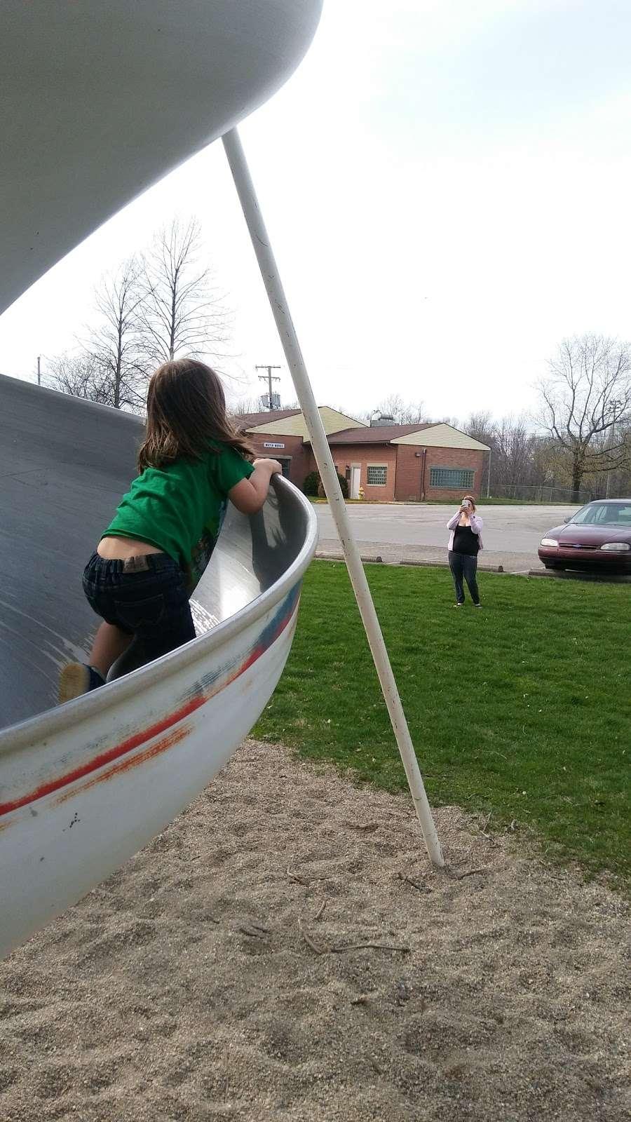 Fortville Memorial Park - park  | Photo 3 of 10 | Address: W Church St, Fortville, IN 46040, USA | Phone: (317) 485-4044
