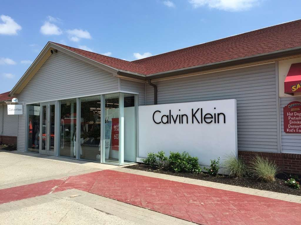 Calvin Klein Outlet - clothing store  | Photo 7 of 10 | Address: 650 Bluebird Ct, Central Valley, NY 10917, USA | Phone: (845) 928-9080