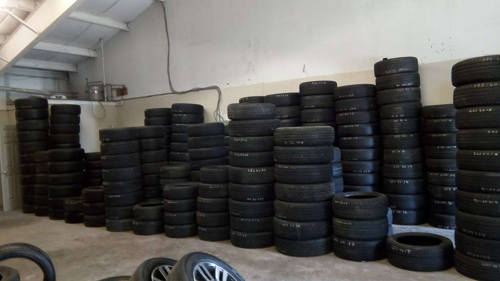 Used And New Tires Erasmo Pena - car repair  | Photo 4 of 10 | Address: 17499 Old Stage Coach Rd, Dumfries, VA 22026, USA | Phone: (571) 205-9575