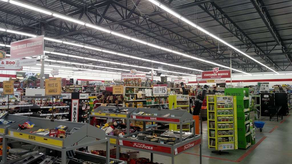 Tractor Supply Co. - hardware store  | Photo 3 of 10 | Address: 15731 Southern Blvd, Loxahatchee, FL 33470, USA | Phone: (561) 333-2223