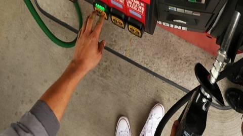 Frys Fuel Center - gas station    Photo 1 of 5   Address: 4349 W Bethany Home Rd, Glendale, AZ 85301, USA   Phone: (623) 463-0063