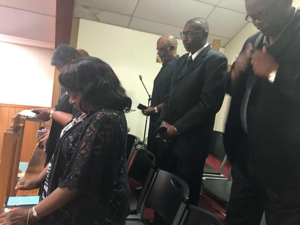 First Baptist Church of Elmont - church  | Photo 4 of 4 | Address: 11624 Cedar Ln, Ashland, VA 23005, USA | Phone: (804) 798-6473