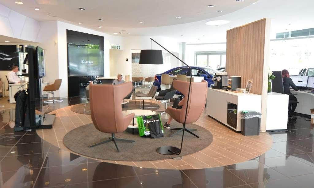 Lexus Croydon - car dealer  | Photo 6 of 10 | Address: 604 Purley Way, Croydon CR0 4RF, UK | Phone: 020 3733 8139