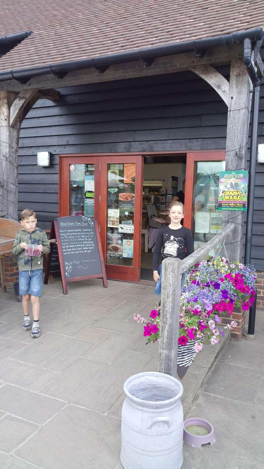 New House Farm Shop - cafe  | Photo 3 of 10 | Address: Old Crawley Rd, Faygate, Horsham RH12 4RU, UK | Phone: 01293 851890
