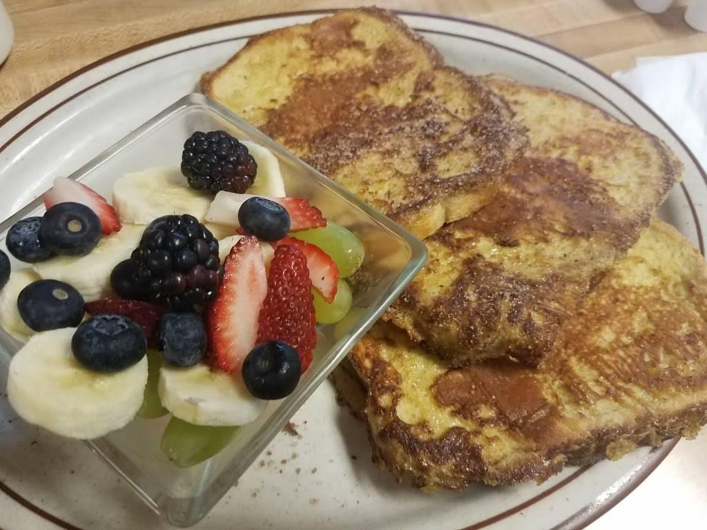 Maggies Cafe - restaurant    Photo 5 of 10   Address: 8970 Lewis Ave, Temperance, MI 48182, USA   Phone: (734) 847-2233