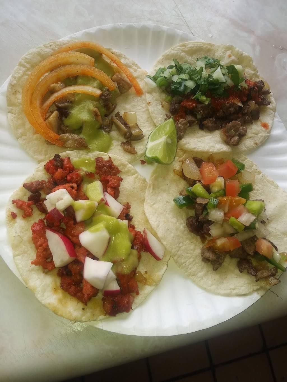 Puesto De Comida Rinconcito - restaurant  | Photo 2 of 3 | Address: Juan Mata Ortiz 3303, Mariano Escobedo, 32230 Cd Juárez, Chih., Mexico | Phone: 656 395 4848