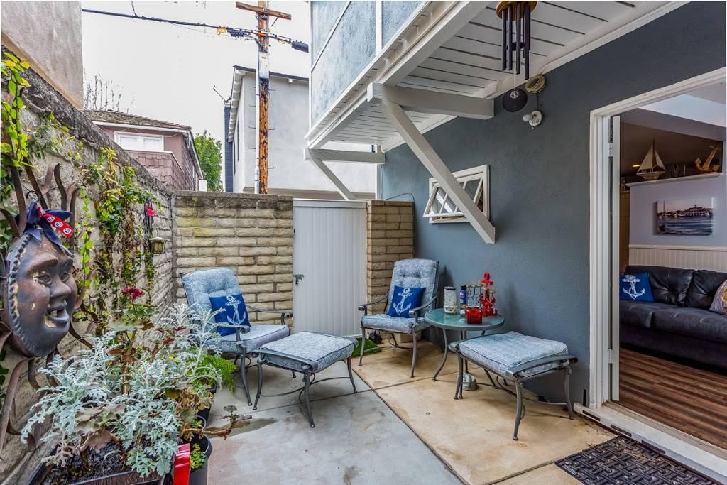Luxury Real Estate - real estate agency  | Photo 10 of 10 | Address: 208 Marine Ave, Newport Beach, CA 92662, USA | Phone: (949) 607-8122