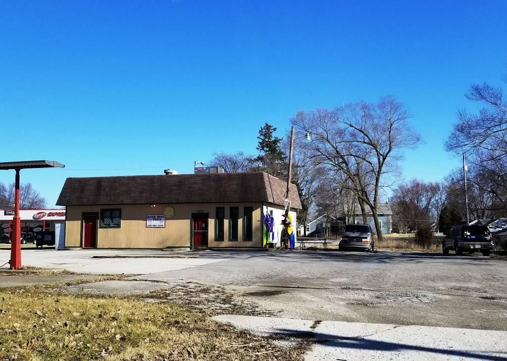 River Bend Pizza - restaurant    Photo 4 of 10   Address: 7410 St Joe Rd, Fort Wayne, IN 46835, USA   Phone: (260) 485-3390