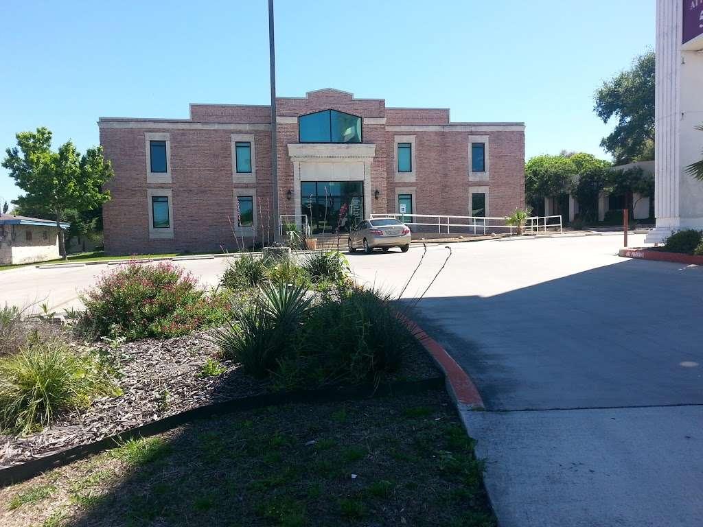Law Offices of Pedro V. Hernandez, Jr. - lawyer  | Photo 3 of 3 | Address: 2851, 5820 W, I-10 #100, San Antonio, TX 78201, USA | Phone: (210) 224-1111