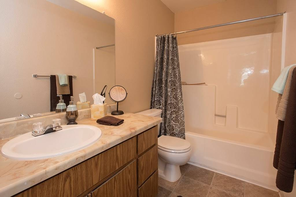 Sierra Glen Apartments - real estate agency  | Photo 5 of 9 | Address: 7321 Auburn Oaks Ct, Citrus Heights, CA 95621, USA | Phone: (844) 522-6140