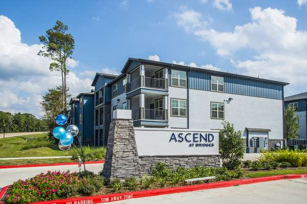 Ascend at Bridges - real estate agency  | Photo 5 of 9 | Address: 14100 Will Clayton Pkwy, Humble, TX 77346, USA | Phone: (281) 369-8100