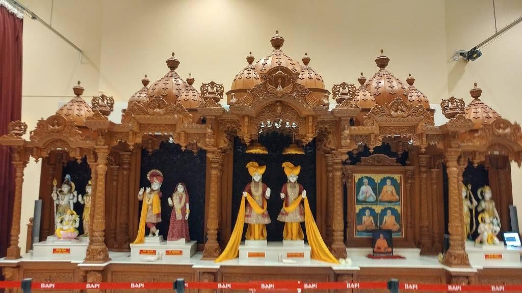 BAPS Shri Swaminarayan Mandir - hindu temple  | Photo 2 of 9 | Address: 9556 E Fowler Ave, Thonotosassa, FL 33592, USA | Phone: (813) 986-5473