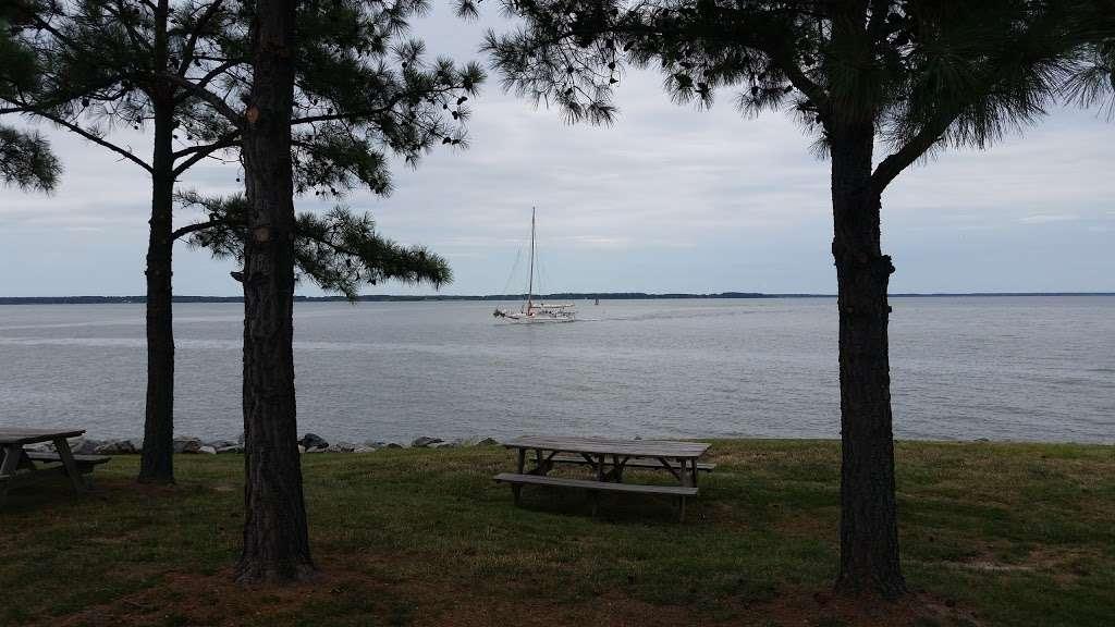 Tilghman on Chesapeake - lodging  | Photo 6 of 10 | Address: 21610 Island Club Rd, Tilghman, MD 21671, USA | Phone: (410) 886-2389
