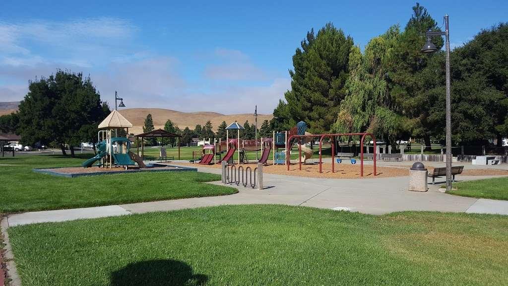 Ridgeview Park - park  | Photo 1 of 10 | Address: 4966 Silver Creek Rd, Fairfield, CA 94534, USA | Phone: (707) 428-7431