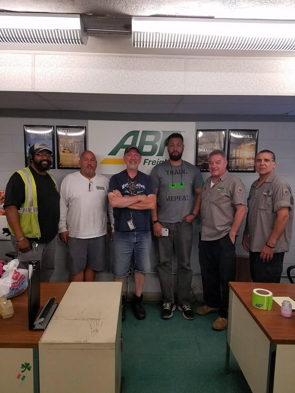 U-Pack - moving company  | Photo 7 of 9 | Address: 2701 16th St, North Bergen, NJ 07047, USA | Phone: (844) 611-4582