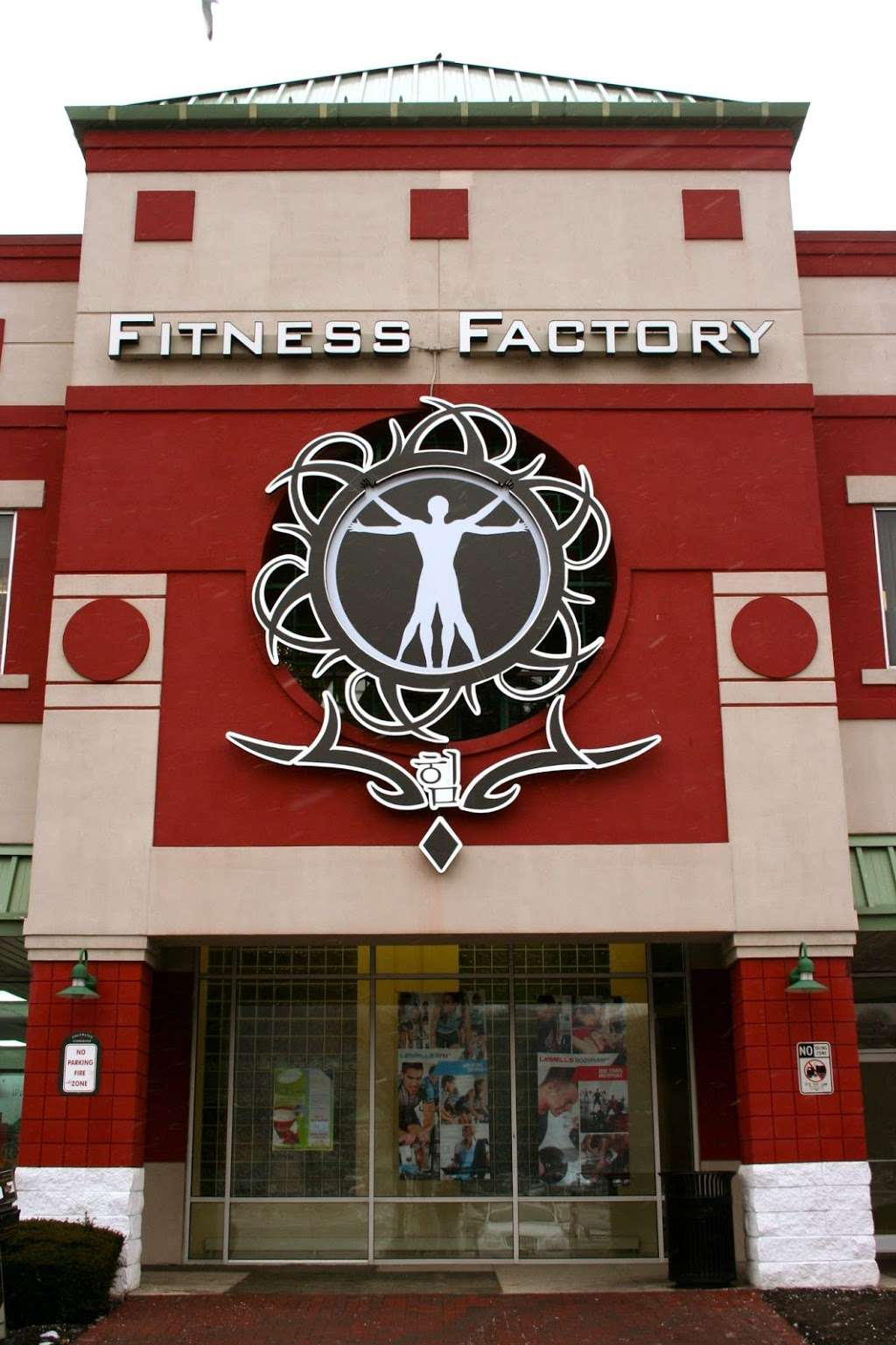 Fitness Factory Health Club - gym | Address: 521 River Rd, Edgewater, NJ 07020, USA | Phone: (201) 945-0900