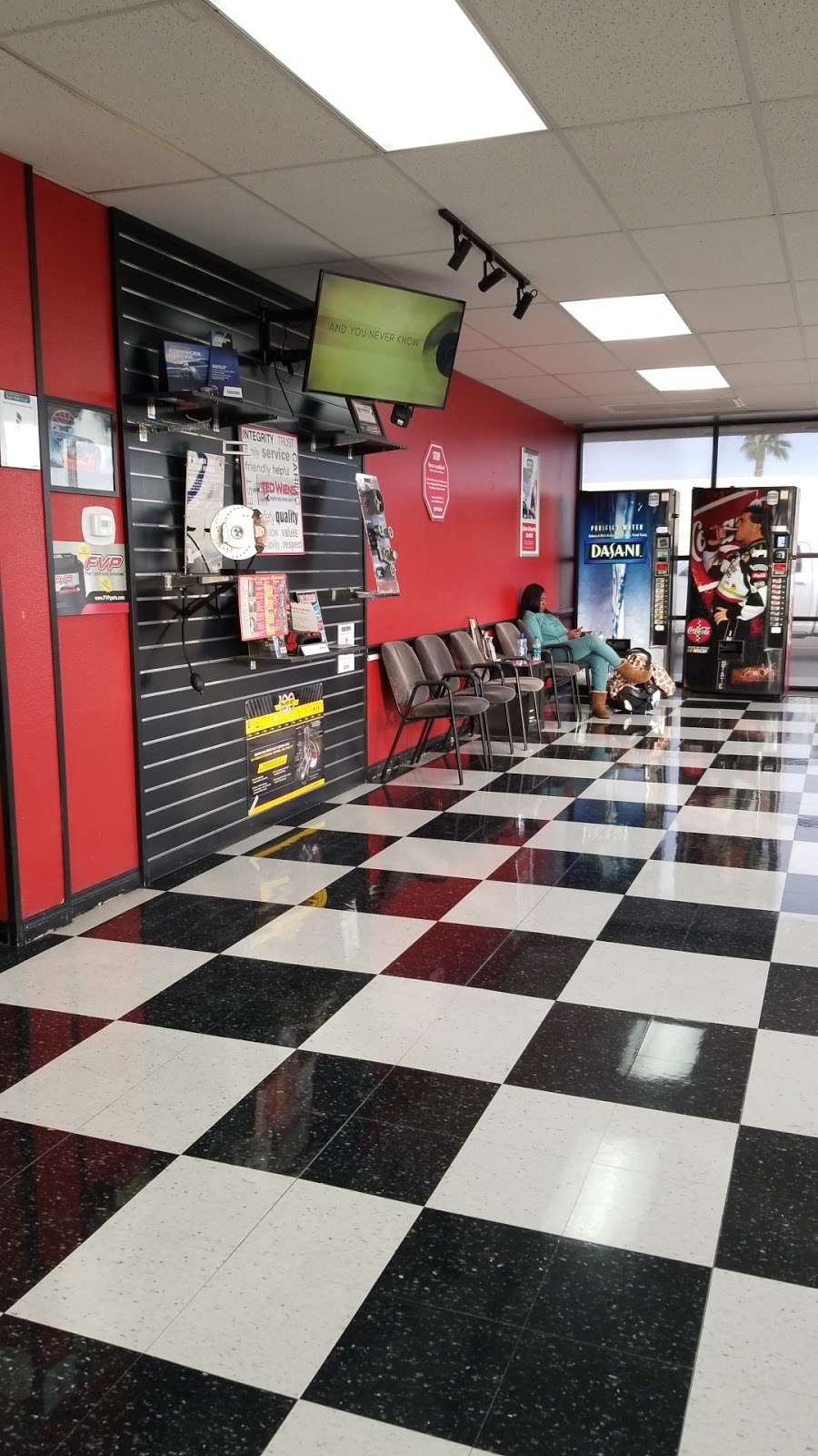 Ted Wiens Tire and Auto - car repair  | Photo 10 of 10 | Address: 7770 W Cheyenne Ave, Las Vegas, NV 89129, USA | Phone: (702) 939-8473