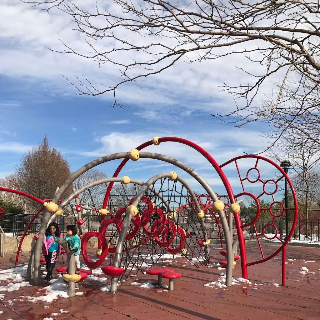 Elmhurst Park - park  | Photo 6 of 10 | Address: 57th Avenue &, Grand Ave, Queens, NY 11373, USA | Phone: (212) 639-9675