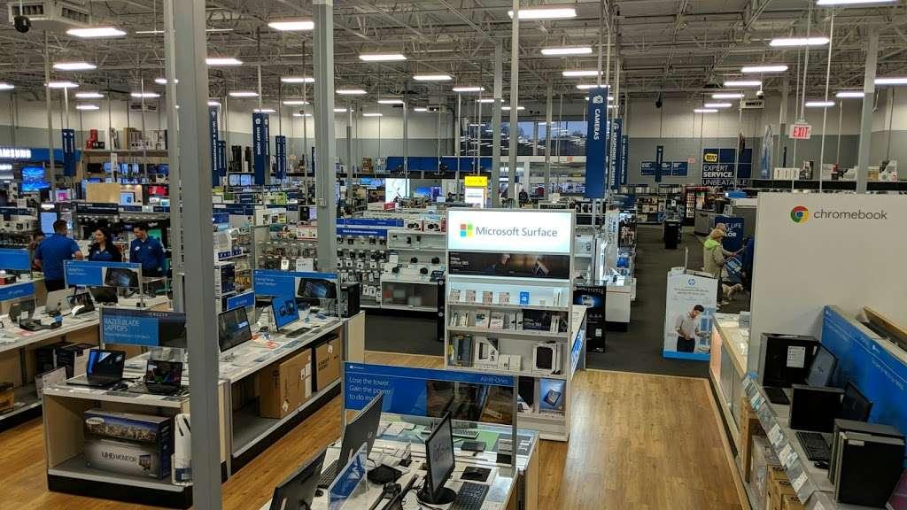 Best Buy - electronics store  | Photo 1 of 10 | Address: 3105 E Main St, Mohegan Lake, NY 10547, USA | Phone: (914) 528-3807