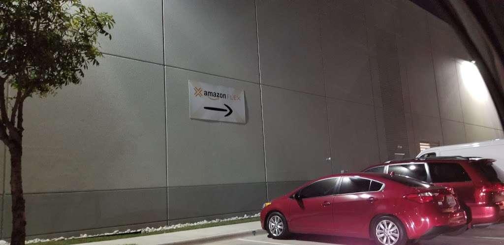 Amazon Flex Farmers Branch - storage  | Photo 8 of 10 | Address: 12401 N Stemmons Fwy, Farmers Branch, TX 75234, USA