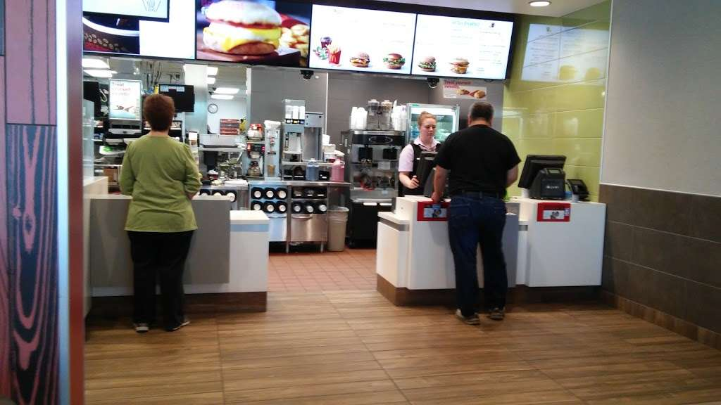 McDonalds - cafe  | Photo 4 of 10 | Address: 1200 League Line Rd, Conroe, TX 77303, USA | Phone: (936) 856-7716