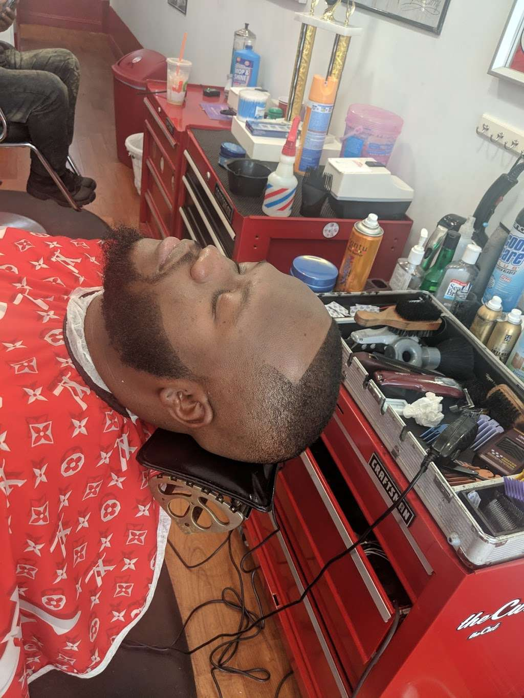 """Dominican Barbershop """"BROTHERHOOD"""" 1 - hair care    Photo 1 of 10   Address: 6416 Frederick Rd, Catonsville, MD 21228, United States   Phone: (443) 636-5063"""