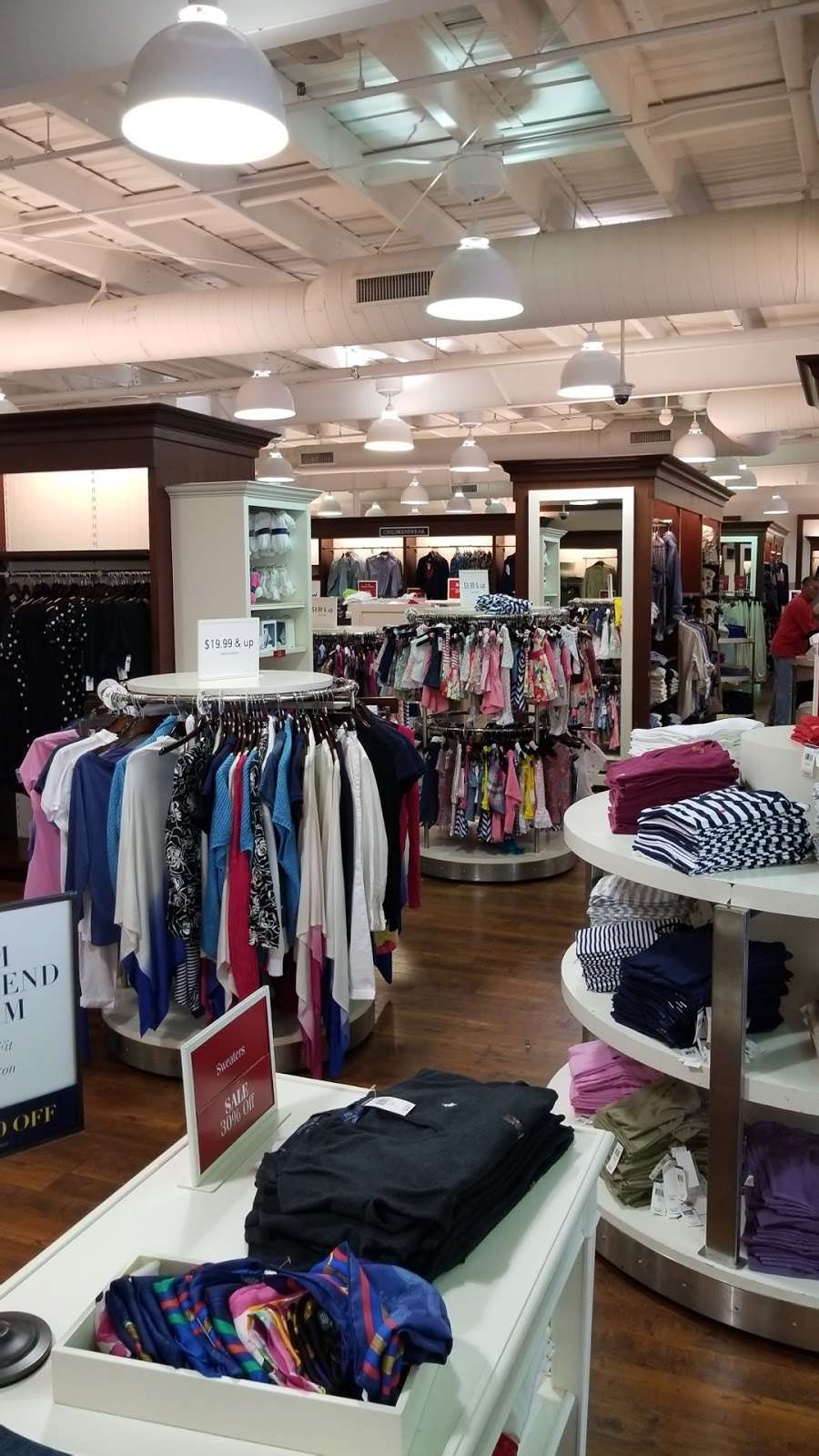 Polo Ralph Lauren Factory Store - clothing store    Photo 3 of 10   Address: 203 Outlet Center Dr, Queenstown, MD 21658, USA   Phone: (410) 827-5039