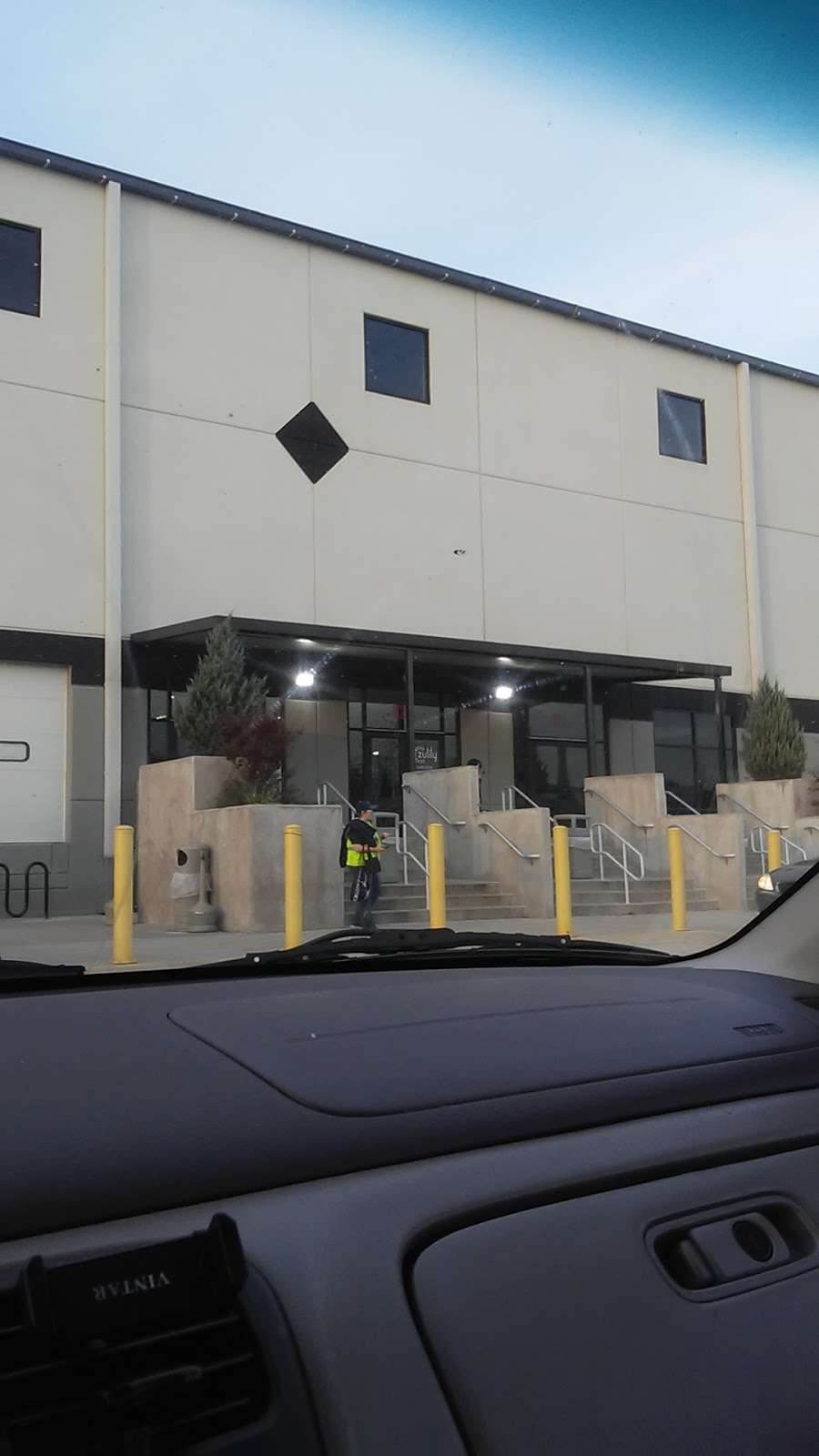 Zulily Bethlehem - storage  | Photo 7 of 8 | Address: 10 Emery St, Bethlehem, PA 18015, USA | Phone: (484) 747-6144
