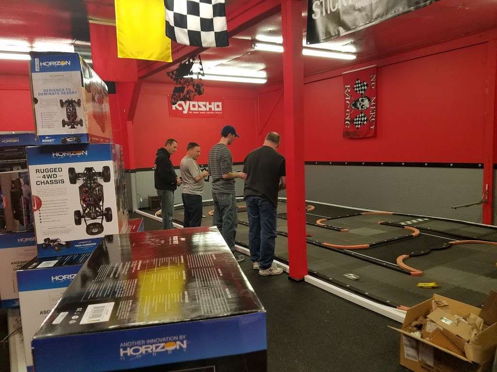 MINIMUS RADIO CONTROL RACEWAY AND HOBBIES - Located on the back  - car repair  | Photo 3 of 10 | Address: 8275 Old Leonardtown Rd unit b, Hughesville, MD 20637, USA | Phone: (240) 254-2611