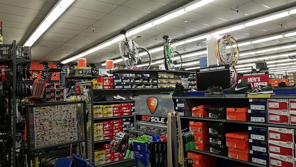 Big 5 Sporting Goods - shoe store  | Photo 6 of 10 | Address: 314 Gellert Blvd, Daly City, CA 94015, USA | Phone: (650) 994-3688