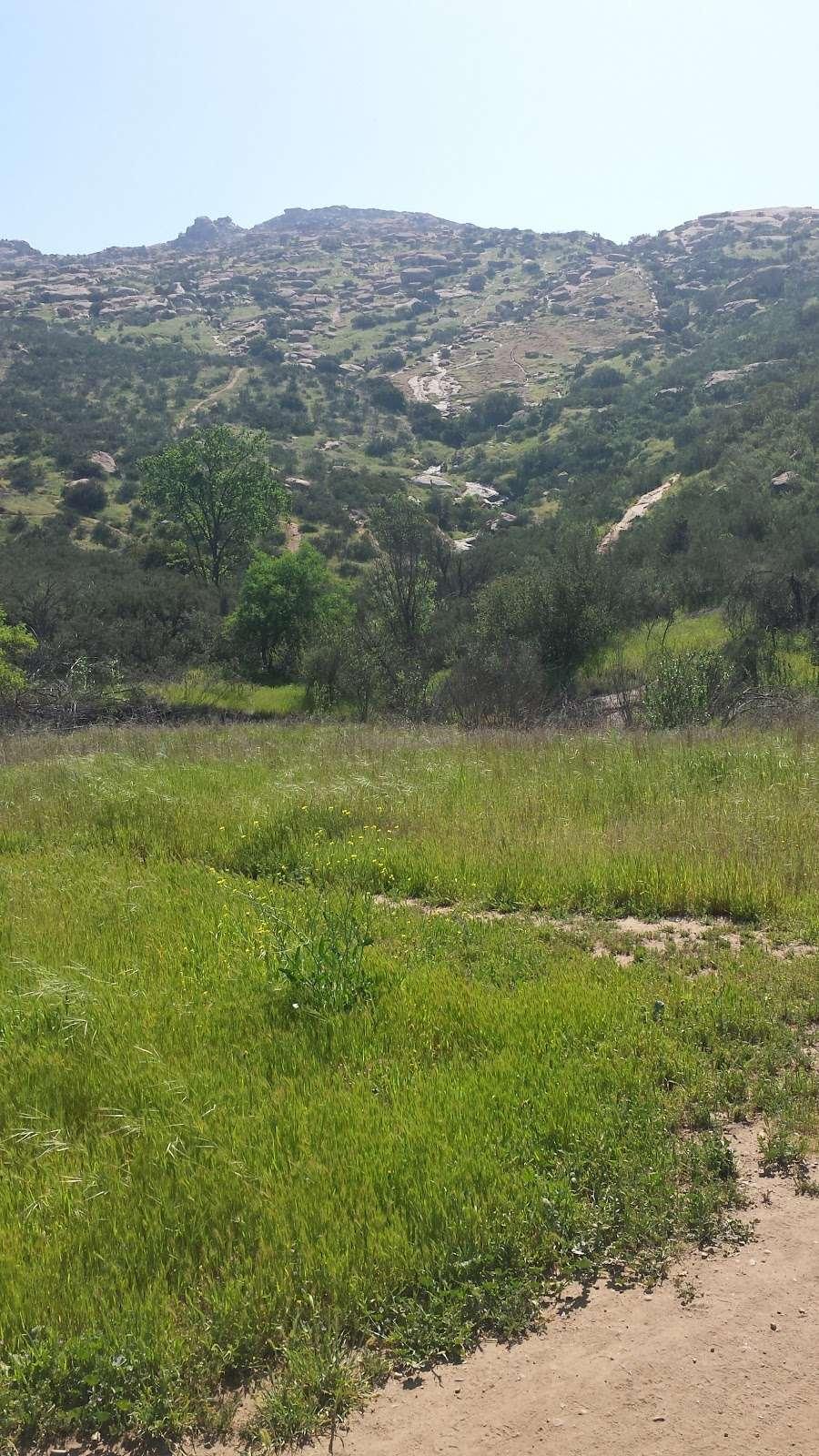 Hummingbird Trail - park  | Photo 2 of 10 | Address: 2954-2980 Kuehner Dr, Simi Valley, CA 93063, USA